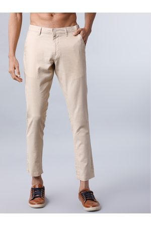 Highlander Men Beige Slim Fit Solid Chinos