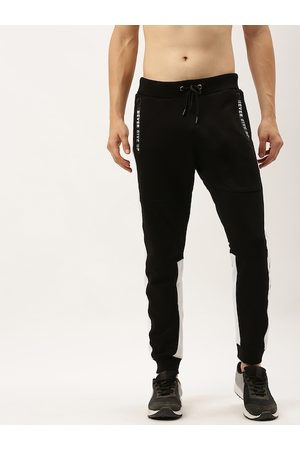 Flying Machine Men Black Solid Joggers
