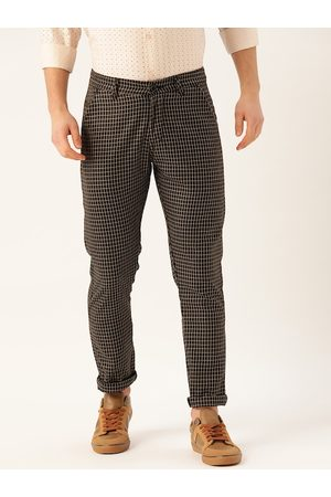 SOJANYA Men Black & Beige Smart Regular Fit Checked Chinos