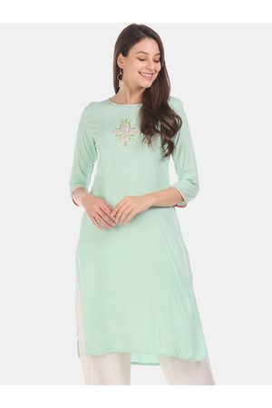 Karigari Women Green Embroidered Straight Kurta