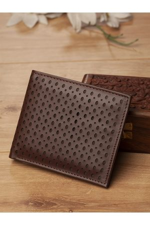 Highlander Men Coffee Brown Cut-Out Two Fold Wallet