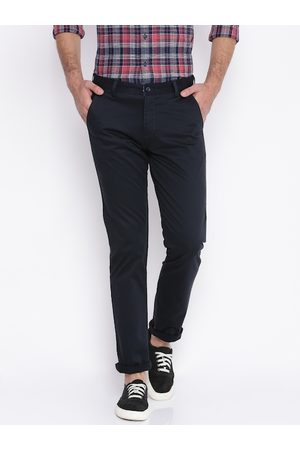 Nature Men Black Regular Fit Solid Chinos