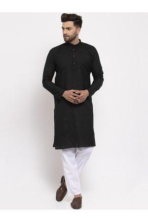 Jompers Men Black & White Solid Kurta with Pyjamas