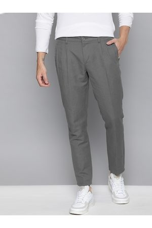 Mast & Harbour Men Charcoal Grey Slim Fit Solid Regular Pleated Linen Trousers