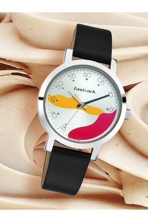 Fastrack Women Silver-Toned Analogue Watch 6222SL01