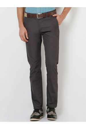 Peter England Men Grey Skinny Fit Solid Chinos