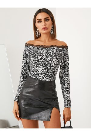 YOINS Leopard Lace Trim Off The Shoulder Long Sleeves Tee