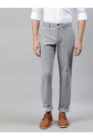 Tommy Hilfiger Men Grey Regular Fit Checked Chinos