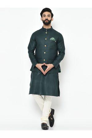 KISAH Men Green & Off-White Solid Kurta with Churidar
