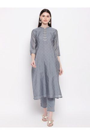 Janasya Women Grey Woven Design Kurta with Trousers