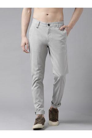 Roadster Men Grey Slim Fit Solid Chinos