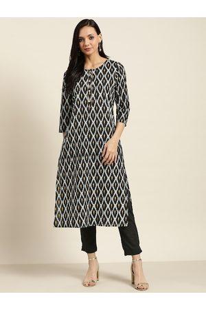Sangria Women Black & White Geometric Print Pure Cotton Kurta with Trousers
