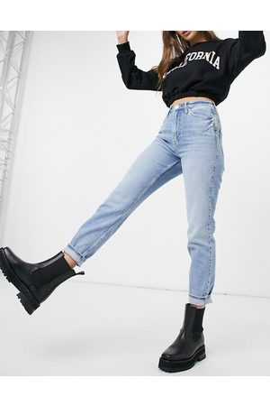 River Island Carrie comfort sculpt mom jeans in light auth