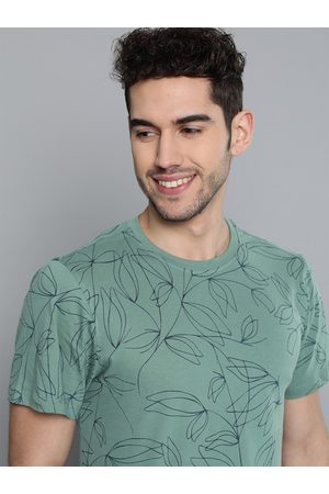 Mast & Harbour Men Green & Navy Blue Floral Printed Pure Cotton Round Neck T-shirt