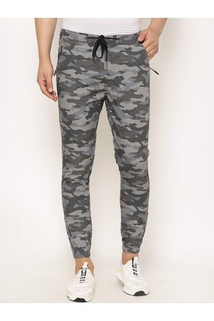 SAPPER Men Grey & Green Slim Fit Printed Joggers