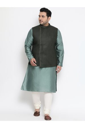 KISAH PLUS Men Green & Off-White Self Design Kurta with Churidar