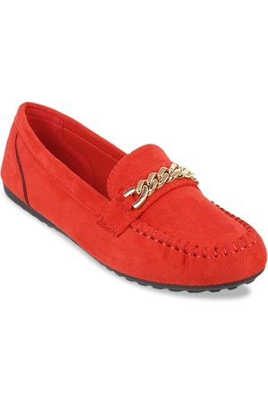 Metro Women Red Solid Loafers