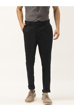 United Colors of Benetton Men Black Slim Fit Solid Chinos