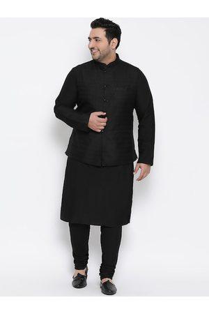 KISAH PLUS Men Black Solid Kurta with Pyjamas