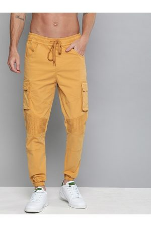 HERE&NOW Men Joggers - Men Mustard Regular Fit Solid Joggers