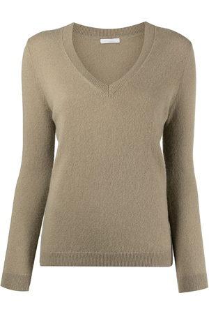 12 STOREEZ Ribbed-knit V-neck cashmere sweater