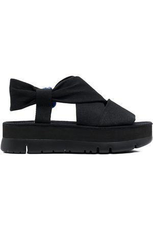 Camper Oruga Up cross strap sandals