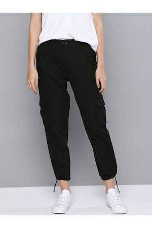 Mast & Harbour Women Black Pure Cotton Regular Fit Solid Cropped Cargos