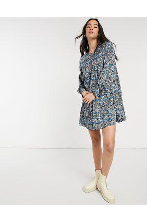 Vero Moda Smock mini dress in blue abstract print