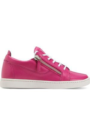 adidas Women Sneakers - Nicki low-top sneakers