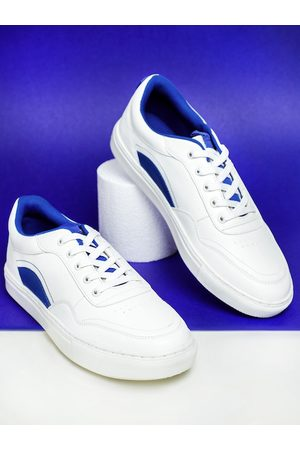 HIGHLANDER Men White Sneakers