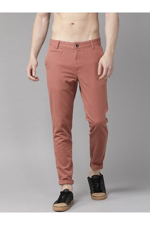 Roadster Men Mauve Slim Fit Solid Chinos