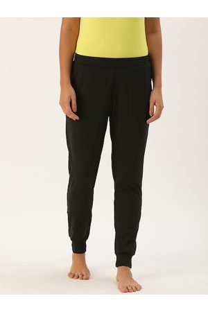 ENAMORA Woman's Black Solid Yoga Pants