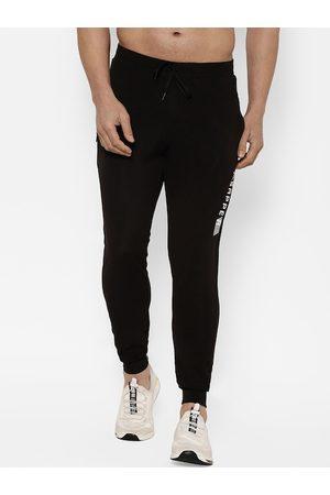 SAPPER Men Blac Solid Slim-Fit Joggers
