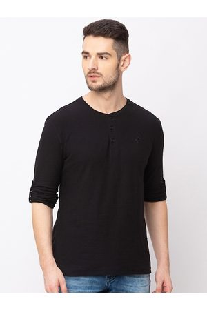 Globus Men Black Solid Henley Neck Slim Fit T-shirt
