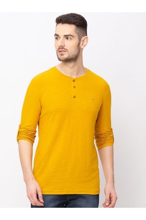 Globus Men Yellow Solid Henley Neck T-shirt