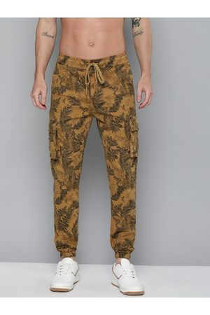 HERE&NOW Men Brown & Black Regular Fit Camouflage Printed Joggers