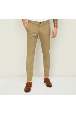 Indian Terrain Men Solid Slim Straight Fit Chinos