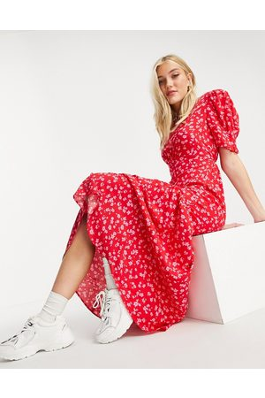New Look Tie back ruched sleeve midi dress in ditsy floral