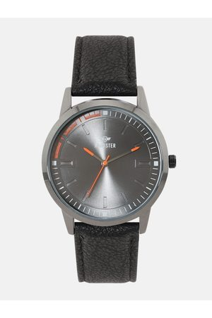 Roadster Men Silver-Toned Analogue Watch SS18-RD14