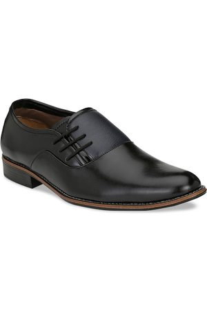 Sir Corbett Men Black Textured Formal Oxfords