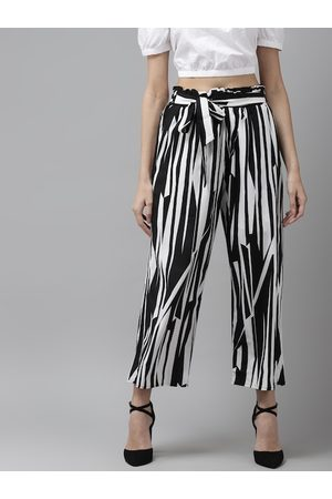 Cayman Women White & Black Regular Fit Printed Cropped Peg Trousers