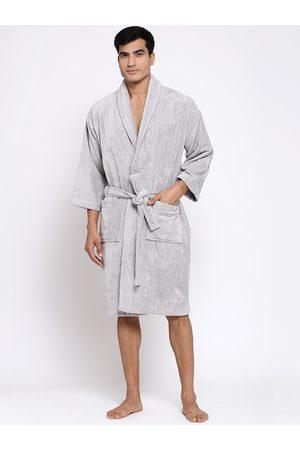 Trident Men Silver-Coloured Solid Bath Robe