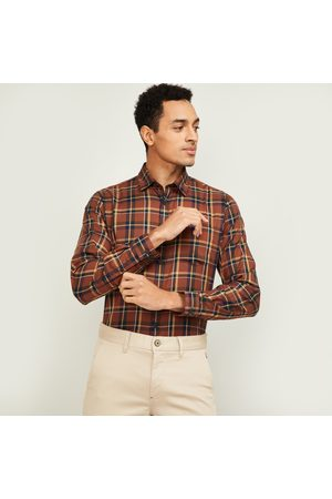 VH Sports Men Checked Slim Fit Casual Shirt
