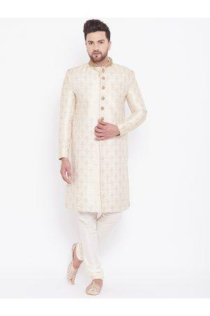 Vastramay Men Cream-Coloured & Gold-Coloured Brocade Zardozi Woven Design Sherwani Set