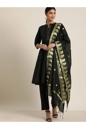 all about you Women Black Solid Kurta with Trousers & Dupatta
