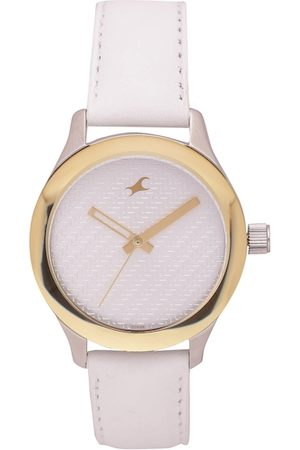 Fastrack Women Silver-Toned Analogue Watch NJ6078SL02C