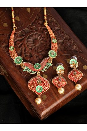 ANIKAS CREATION Gold-Plated Off-White & Green Kundan-Studded & Pearl Beaded Enamelled Jewellery Set