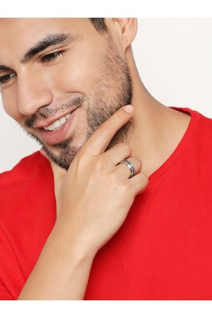 OOMPH Men Silver-Plated Blue Handcrafted Finger Ring