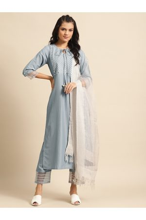 Varanga Women Grey & Off-White Gotta Patti Detail Kurta with Trousers & Dupatta