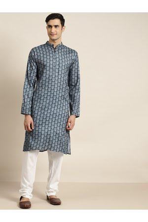 SOJANYA Men Navy Blue & Off-White Printed Pure Cotton Kurta with Churidar